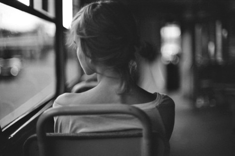 chica- autobús- pensamiento- asiento- las horas- nina peña . libros mas vendidos recomendados en castellano - descargar -