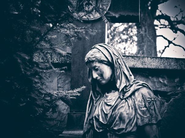 nina peña - cementerio - halloween - becquer - animas