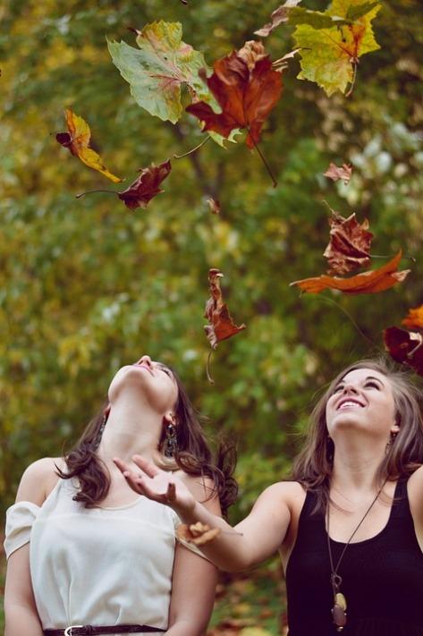 otoño - futuro - laura esquivel - nina peña