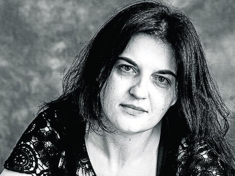 Olga Novo - mujer - poeta - premio de poesía